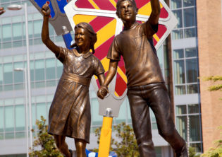 boy and girl flying kites Children's Hospital Sculpture