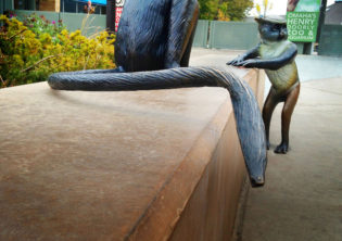 Wolfsguenon Sculpture