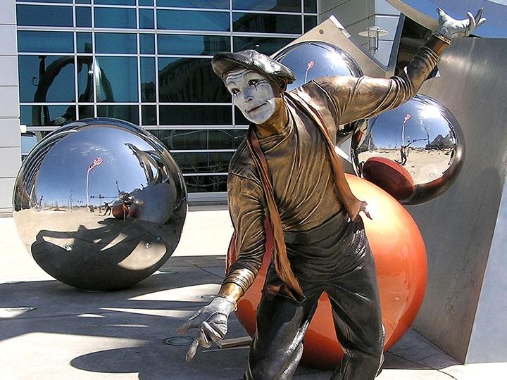 Bronze mime statue